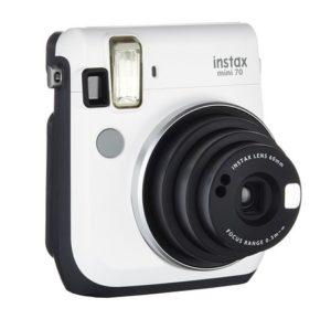 Fujifilm Instax Mini 70 Kamera Front (inkl. Batterien und Trageschlaufe) Sofortbildkamera weiß - Polaroid